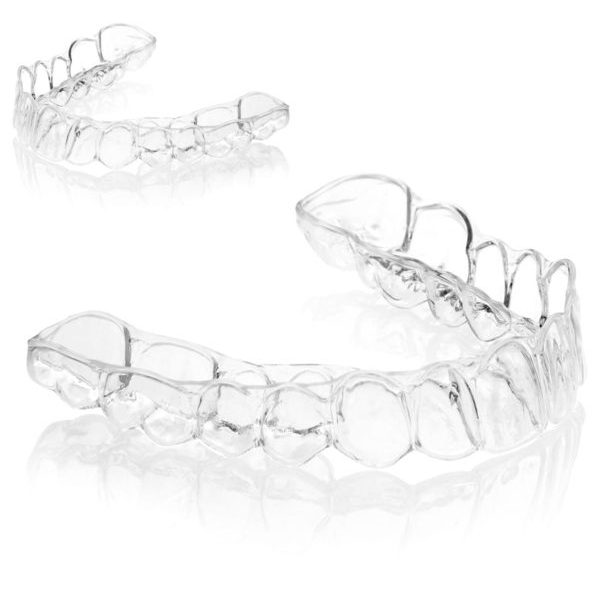 13103933 - teeth with whitening tray